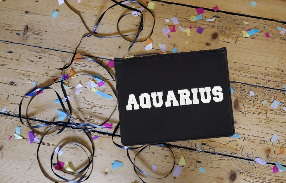 ZODIAC POUCH – AQUARIUS