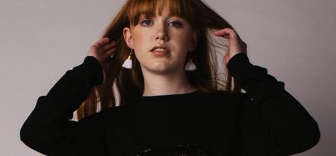 Ami Earrings, White